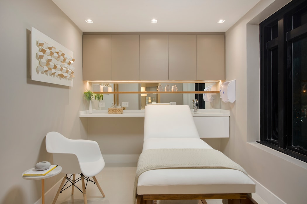 Clinics by Esmera Design,