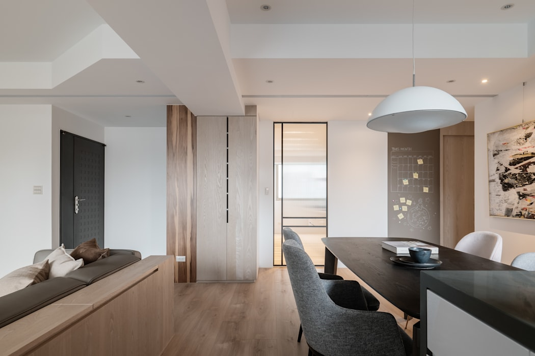 Dining room by 築川設計, Scandinavian
