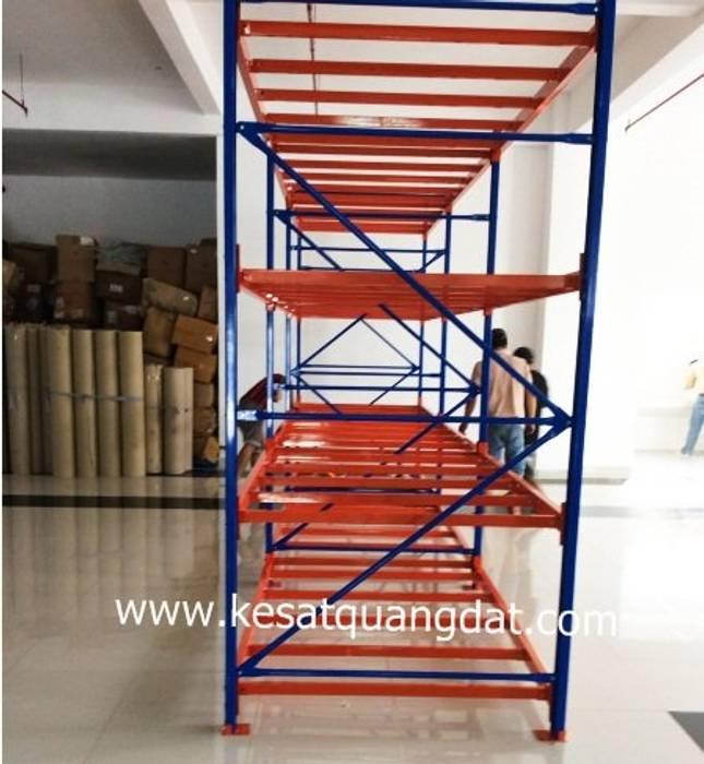 KỆ SẮT ĐỂ PALLET 05:  Văn phòng & cửa hàng by Kệ Sắt Quang Đạt