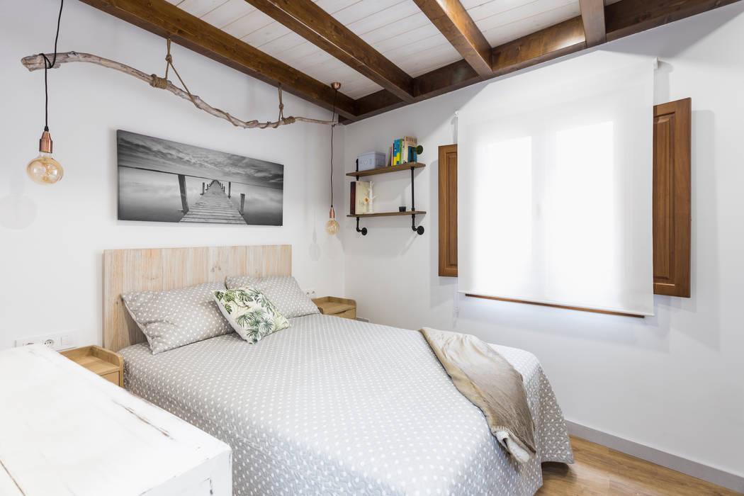Casa Carro. Dormitorio: Dormitorios de estilo  de Arela Arquitectura, Rústico