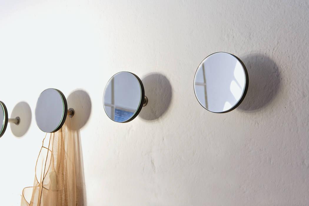 Minimalistische Badezimmer von Creativando Srl - vendita on line oggetti design e complementi d'arredo Minimalistisch Glas