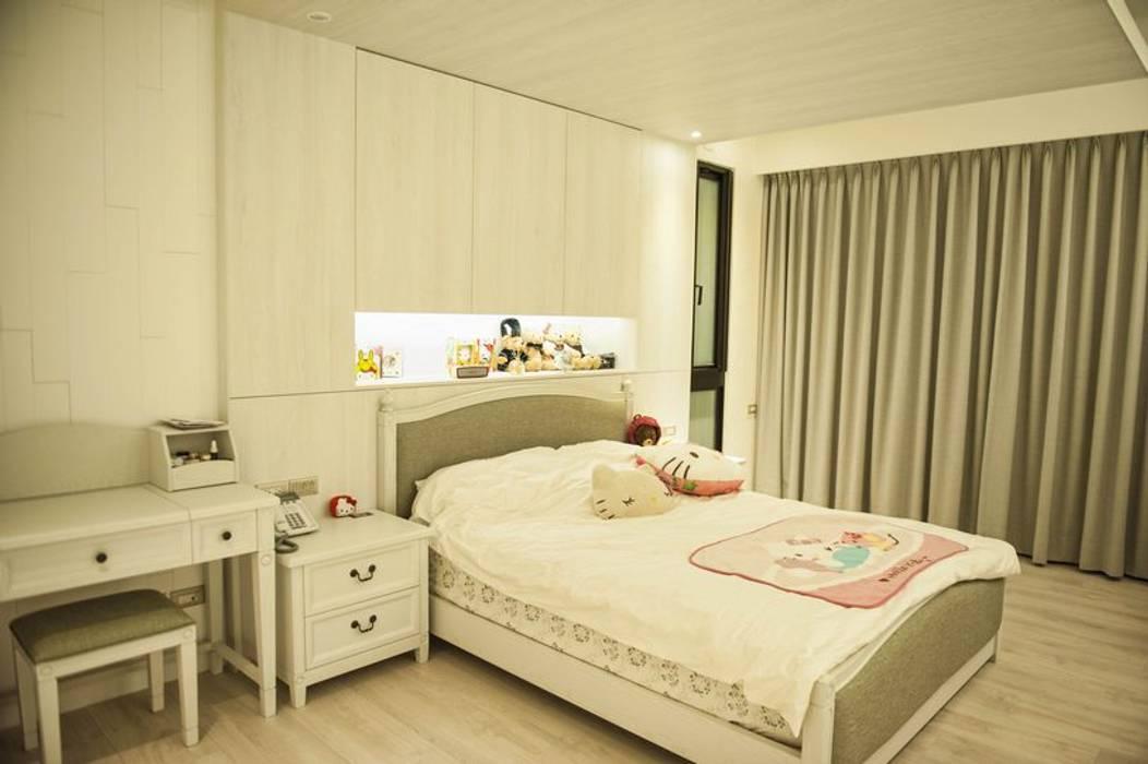 女孩房:  臥室 by 勻境設計 Unispace Designs