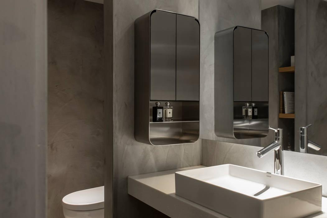 bathroom:  浴室 by 湜湜空間設計, 隨意取材風 水泥