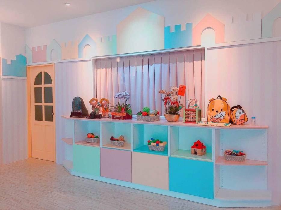 玩具收納櫃:  學校 by 藏私系統傢俱, 北歐風