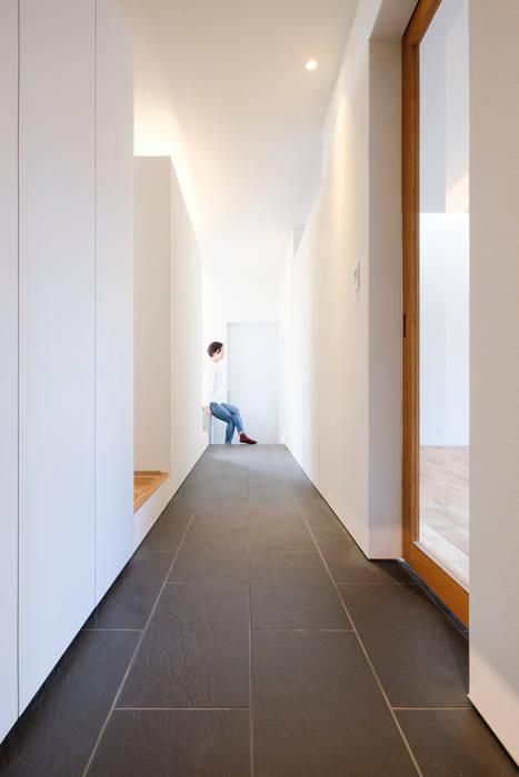 一級建築士事務所 Atelier Casa Eclectic style corridor, hallway & stairs