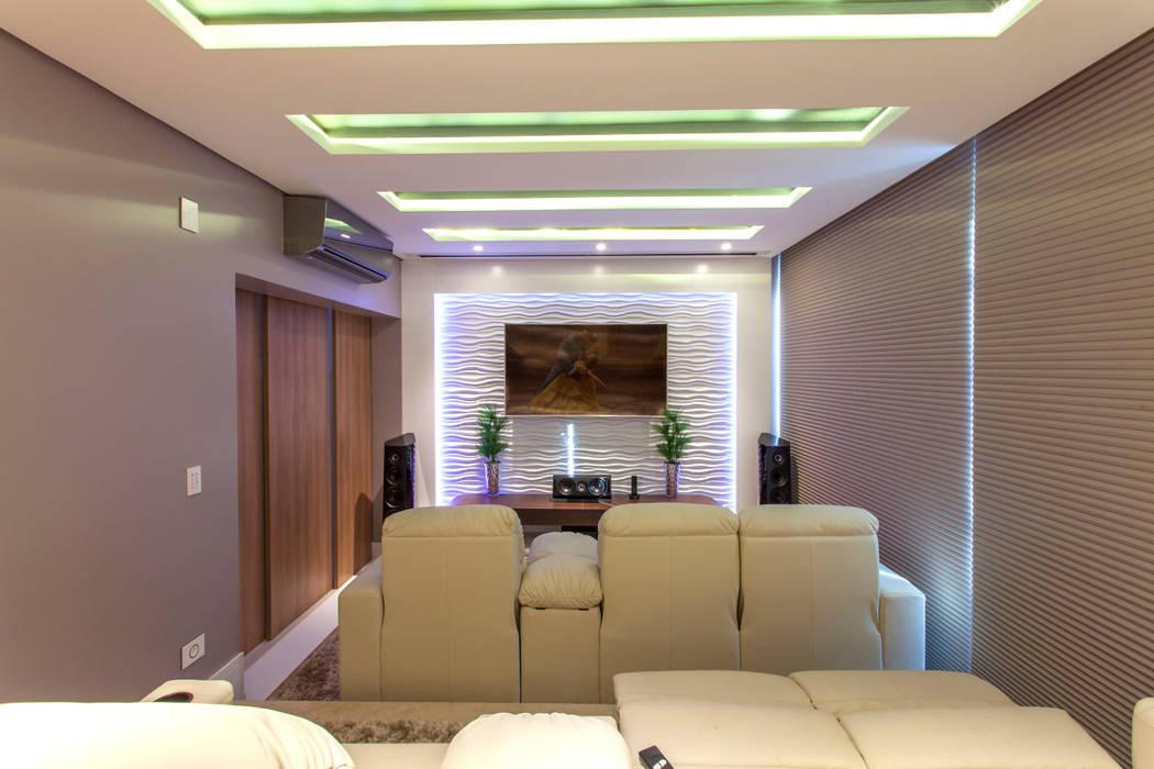 Ruang Multimedia oleh Designer de Interiores e Paisagista Iara Kílaris, Modern