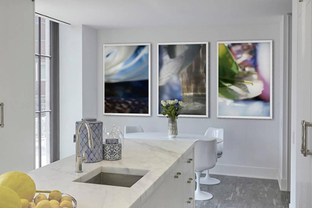Kitchen - 86th Street New York:  Kitchen by Joe Ginsberg Design