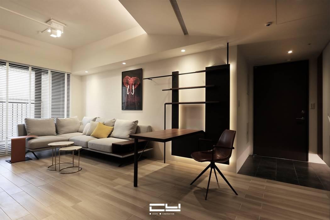 Living room by 臣月空間工程,