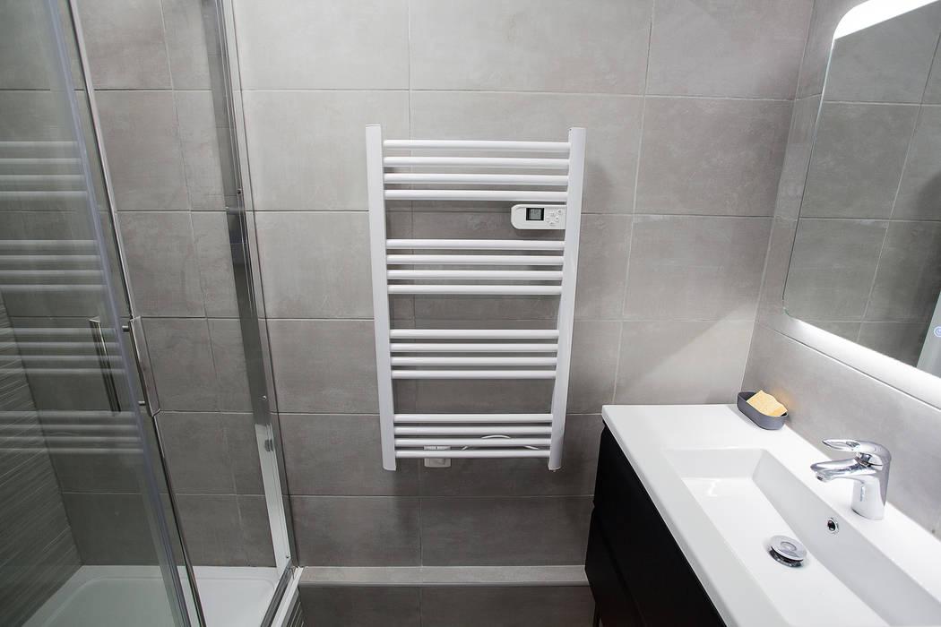Salle de bain secondaire de petite taille: salle de bains de style ...
