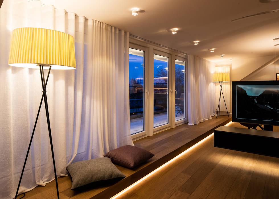 Balcón de estilo  de schulz.rooms, Moderno