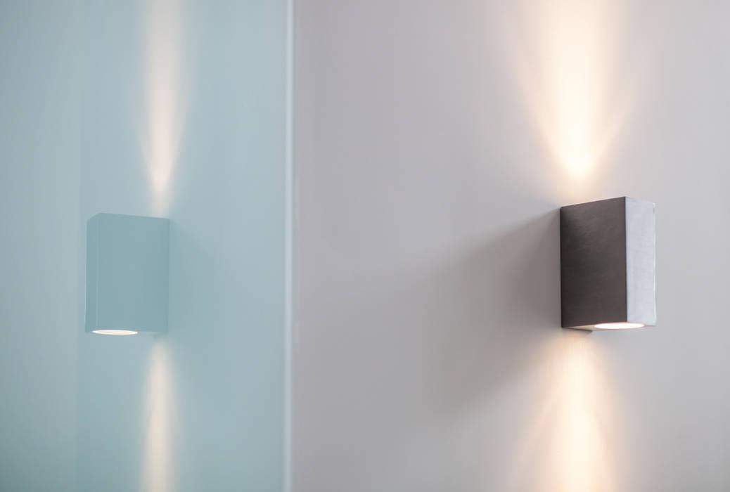 Nieuwe luxe woning:  Deuren door Bouwbedrijf Lelieveldt, Modern