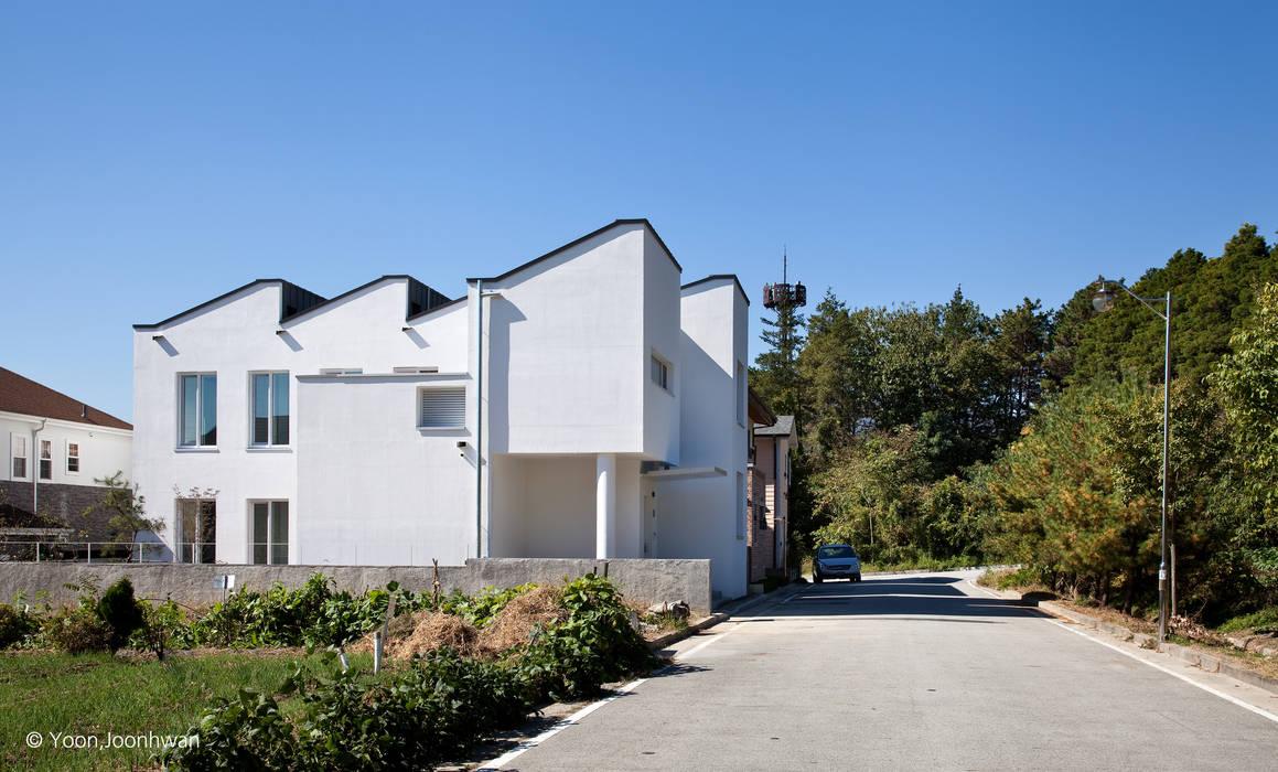 VISTA HOUSE: 건축사사무소 모뉴멘타의  전원 주택