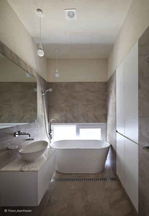욕실: 건축사사무소 모뉴멘타의  욕실