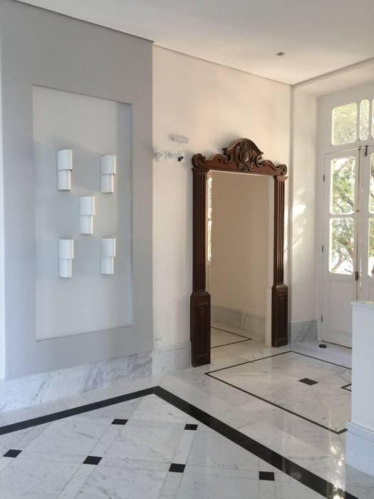 Pintu oleh Carlos Eduardo de Lacerda Arquitetura e Planejamento , Klasik