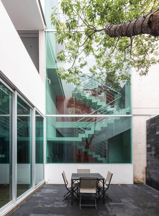 CASA  NEO : Casas de estilo  por TaAG Arquitectura