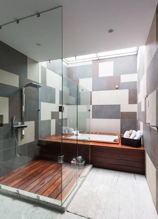 CASA  NEO : Baños de estilo  por TaAG Arquitectura