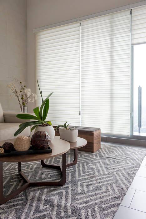 Incluye líneas en tu decoración 1/2: Salas de estilo  por INVELO