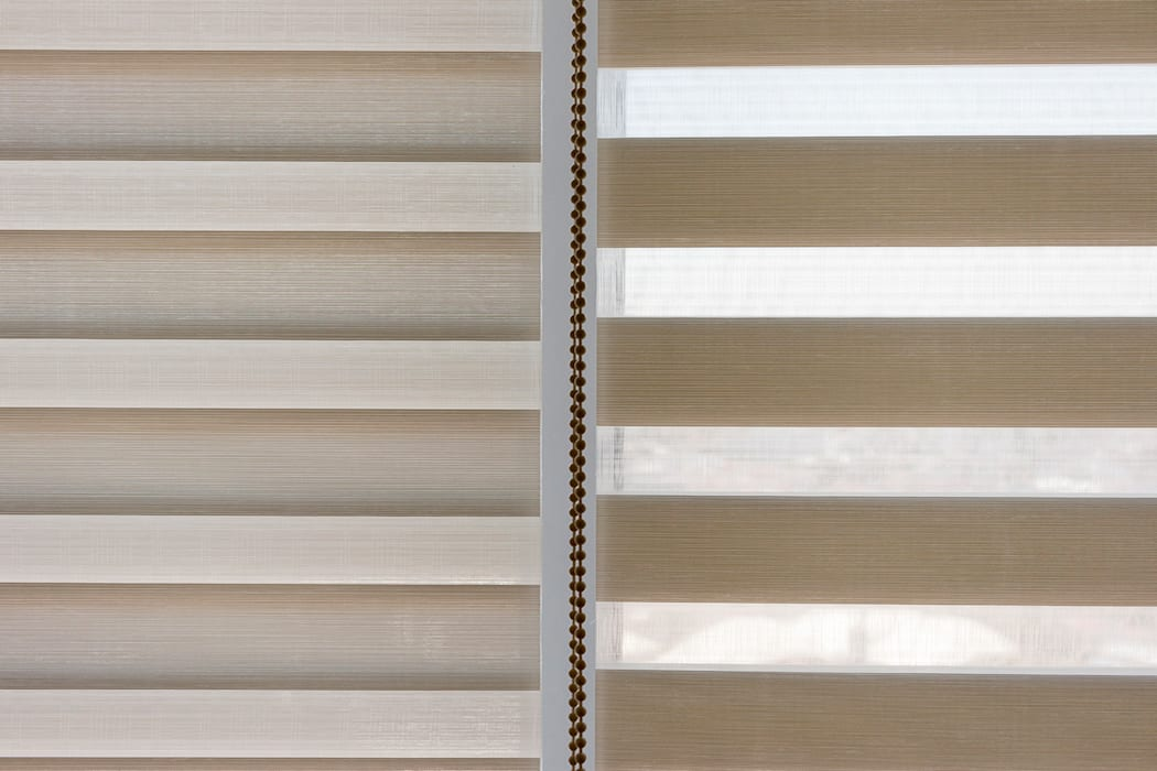 Simplicidad que enamora 2/2: Puertas y ventanas de estilo  por INVELO