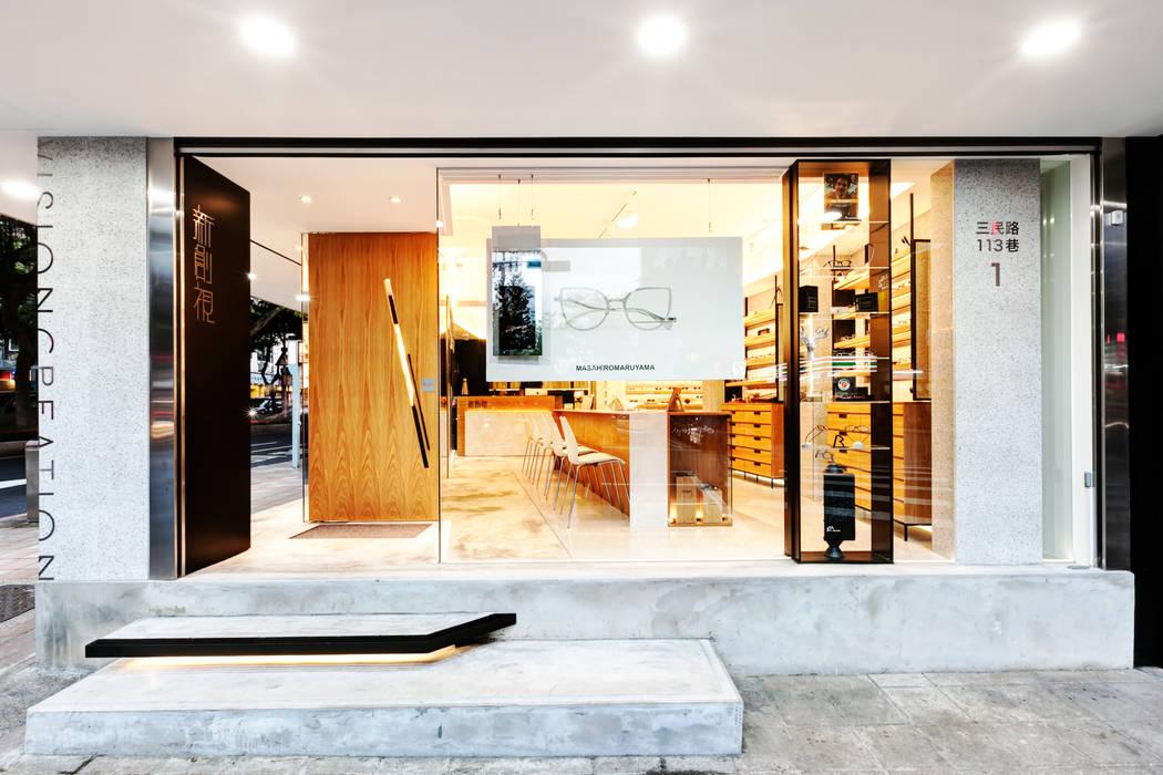 顛覆傳統並充滿視覺享受的眼鏡舖:  窗戶與門 by On Designlab.ltd