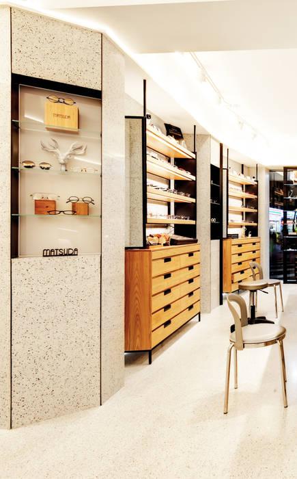 顛覆傳統並充滿視覺享受的眼鏡舖:  牆面 by On Designlab.ltd