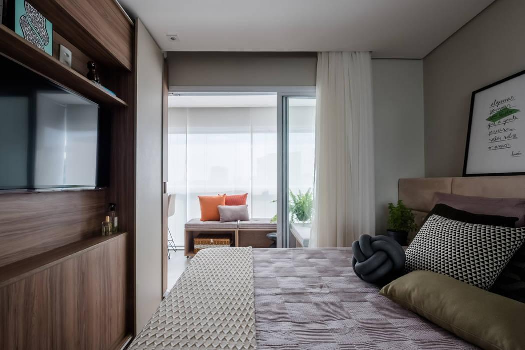 Quarto Casal Moderno Apartamento Pequeno por Mirá Arquitetura Industrial MDF