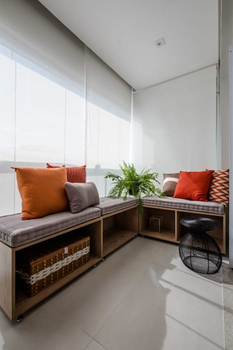 Industrial style balcony, veranda & terrace by Mirá Arquitetura Industrial MDF