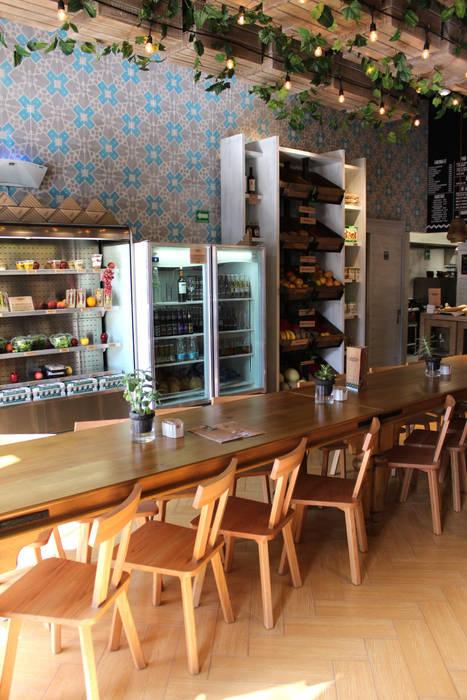 GAIA Mediterranean style dining room
