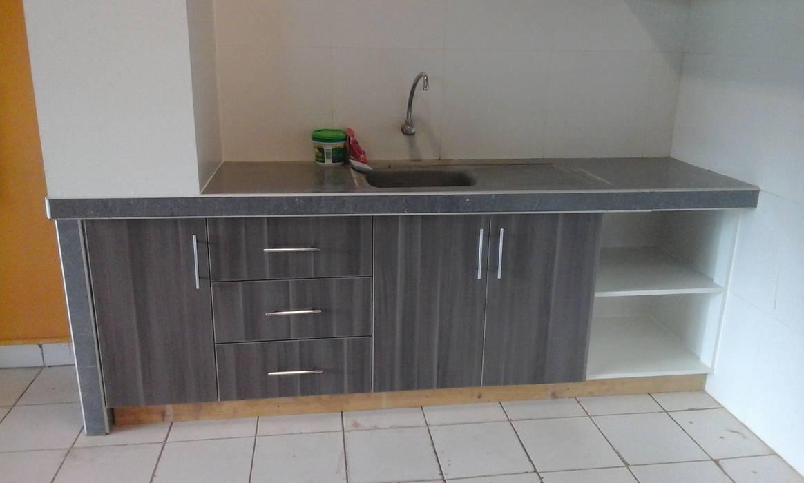 Cocina parte baja: Muebles de cocinas de estilo  por ARDI Arquitectura y servicios