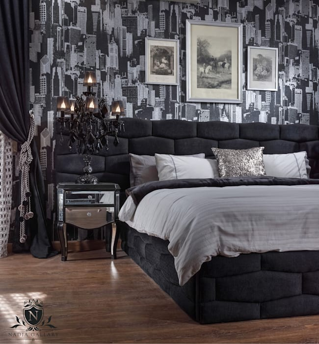 Ultra modern luxury bedroom  Never be scared of black:  المنزل تنفيذ NADIA .Gallery