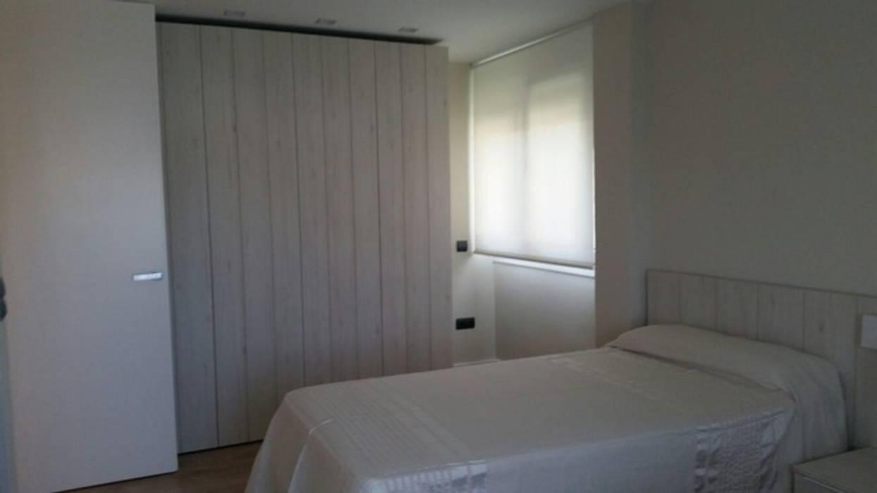 Proyecto de reforma y decoración de interiores de un piso en Jaén:  de estilo  de Qum estudio, tienda de muebles y accesorios en Andalucía