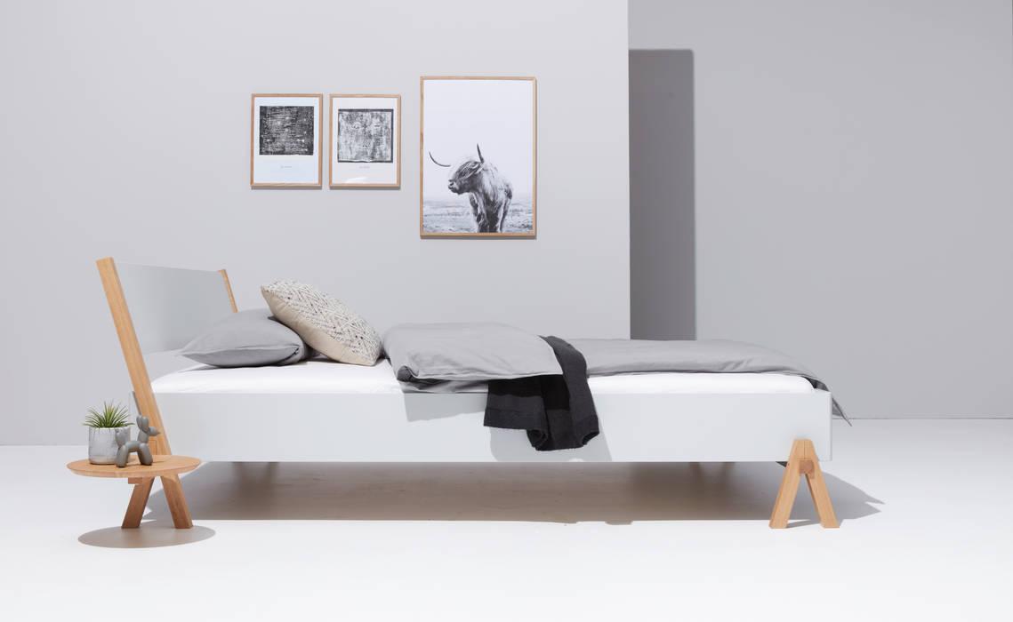 studio michael hilgers СпальняЛіжка та спинки Дерево