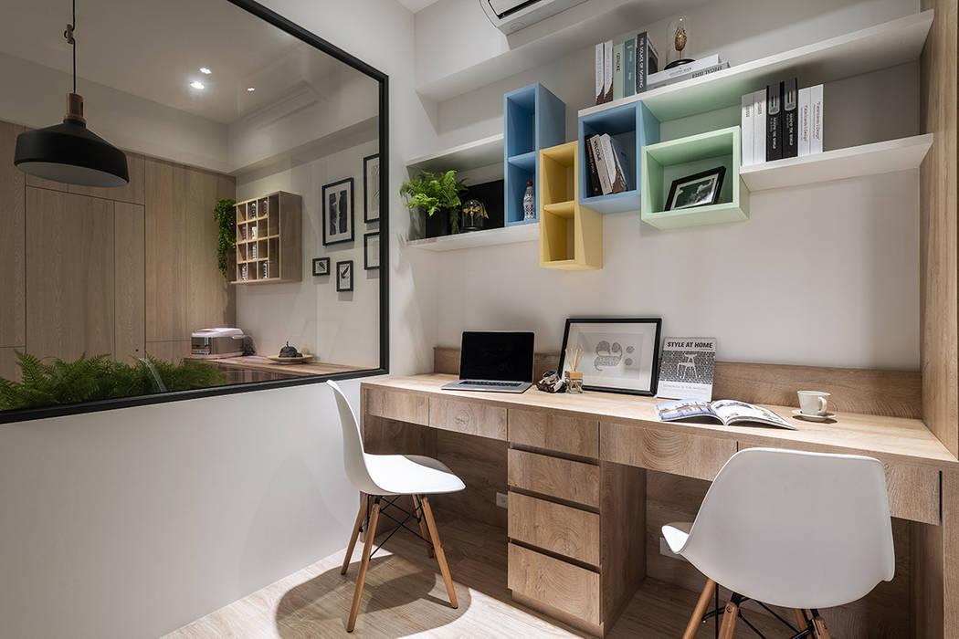 溫馨成家-及第好悅:  書房/辦公室 by 富亞室內裝修設計工程有限公司,