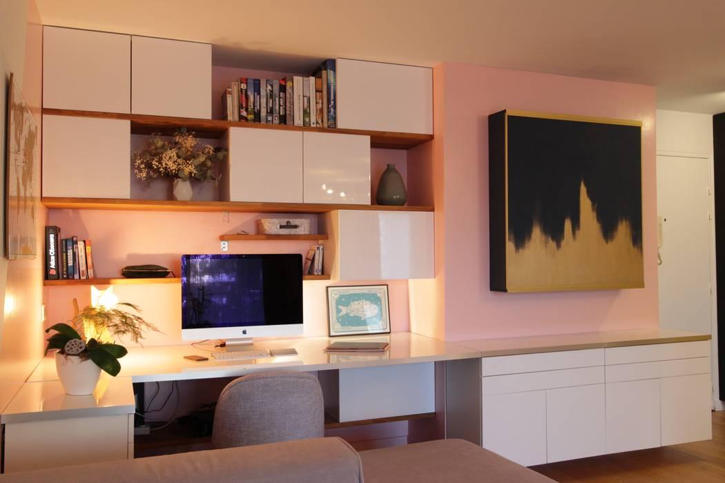 Rénovation complète d'un 2 pièces: Bureau de style  par Atelier BOA