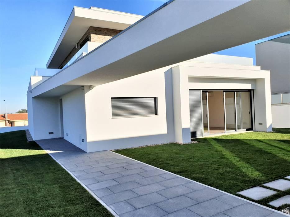 : Casas unifamilares  por Jesus Correia Arquitecto