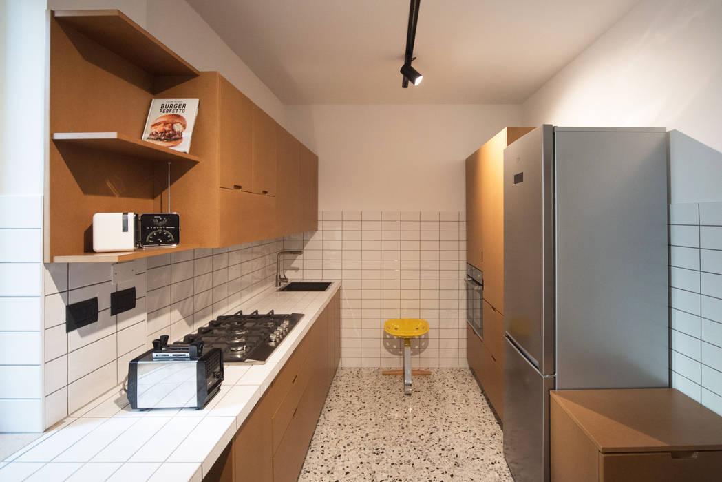 Dettaglio Centrale: Cucina in stile  di PADIGLIONE B