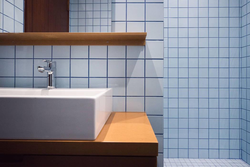Dettaglio lavabo: Bagno in stile  di PADIGLIONE B