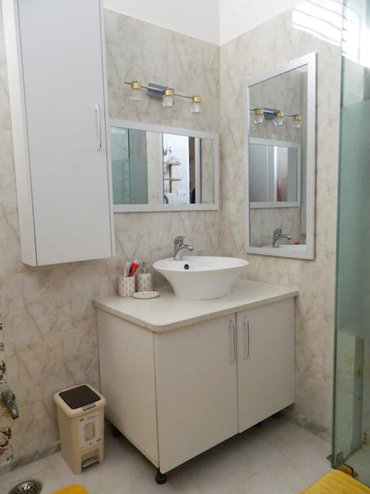 Kitchen & Interiors, Sector 46 Noida:  Bathroom by hearth n home