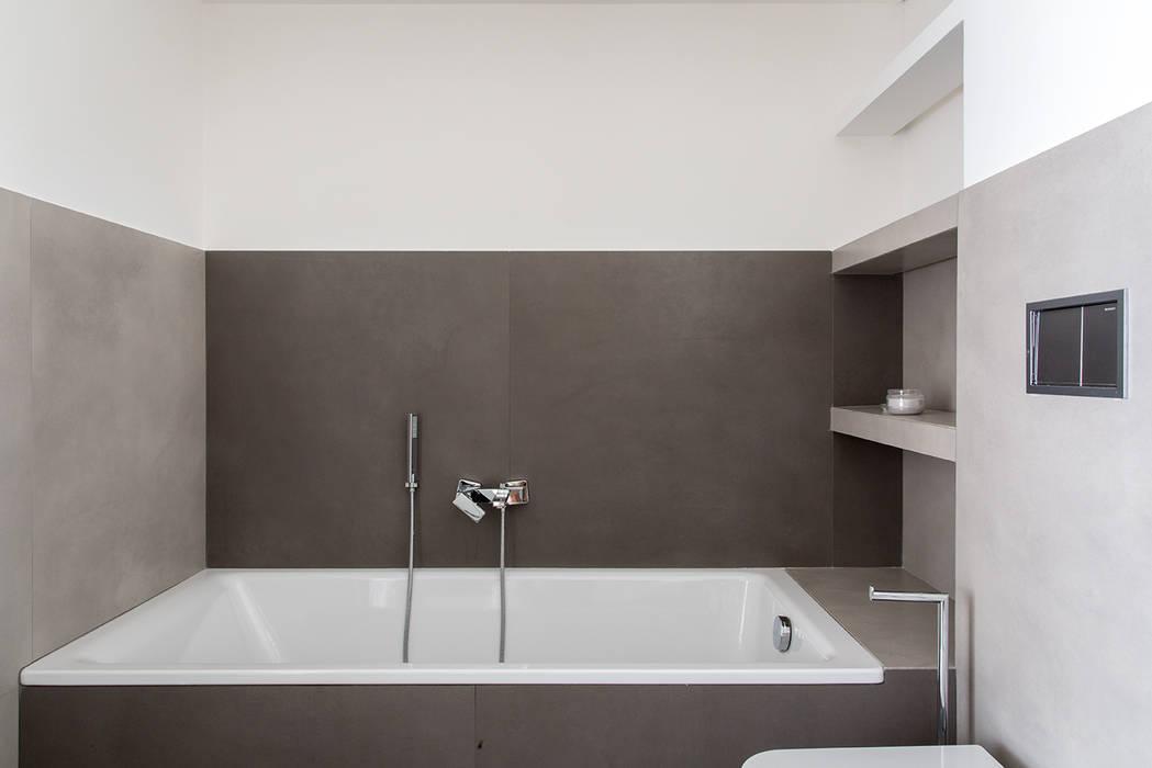 Modern bathroom by Orsolini Modern