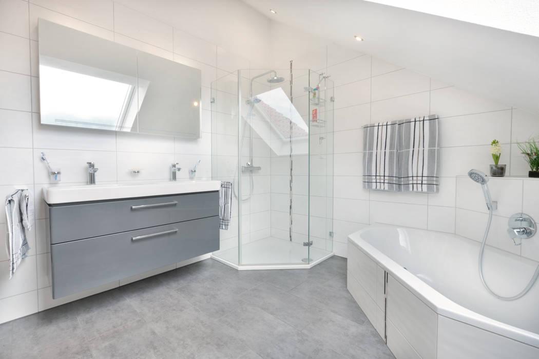 Badezimmer mit eckwanne klassische badezimmer von talbau ...