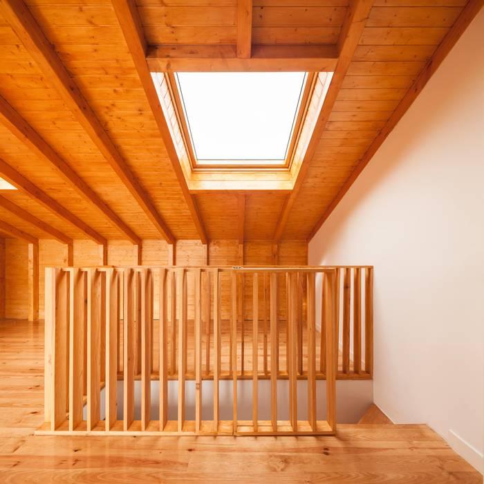 โดย Boost Studio โมเดิร์น ไม้ Wood effect