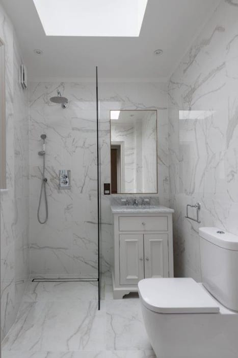 Bagno in stile  di Prestige Architects By Marco Braghiroli,