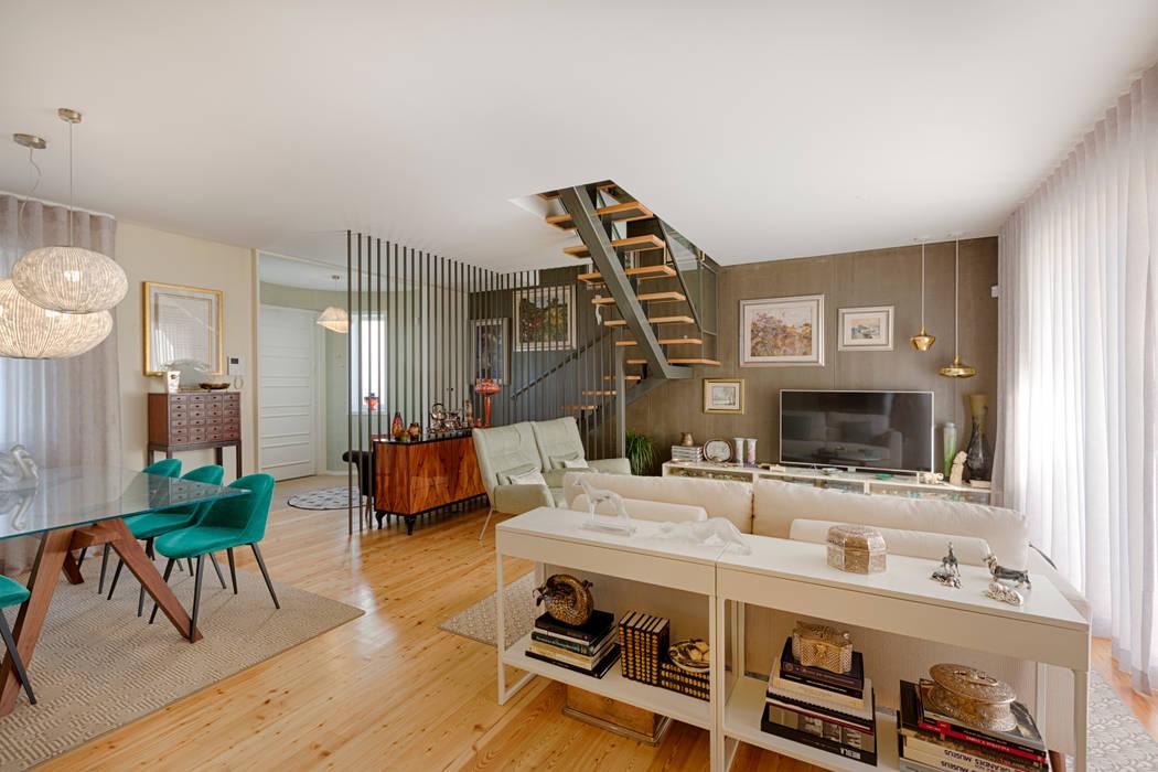 Entrada - sala - Moradia em Leça da Palmeira - SHI Studio Interior Design: Salas de estar  por SHI Studio, Sheila Moura Azevedo Interior Design