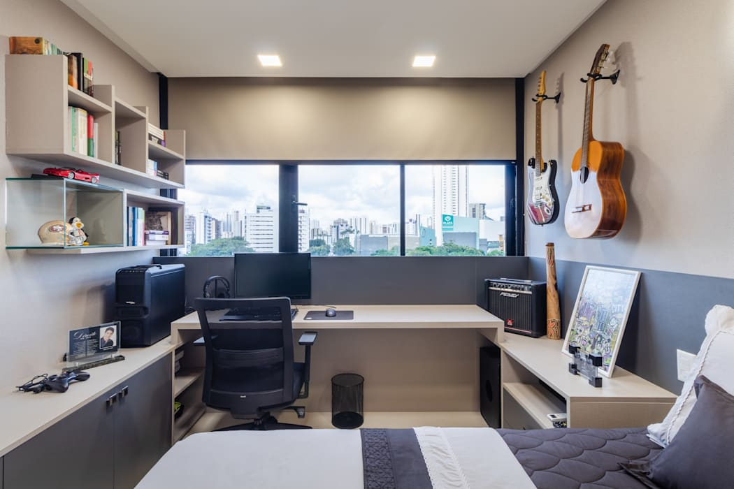 Quarto de solteiro/ Cama/ Escrivaninha/ Nichos/ Móvel: Quartos  por Sônia Beltrão Arquitetura ,Moderno MDF