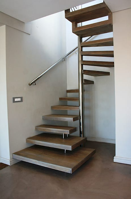 Spiral Staircase:  Stairs by Renov8 CONSTRUCTION, Modern Aluminium/Zinc