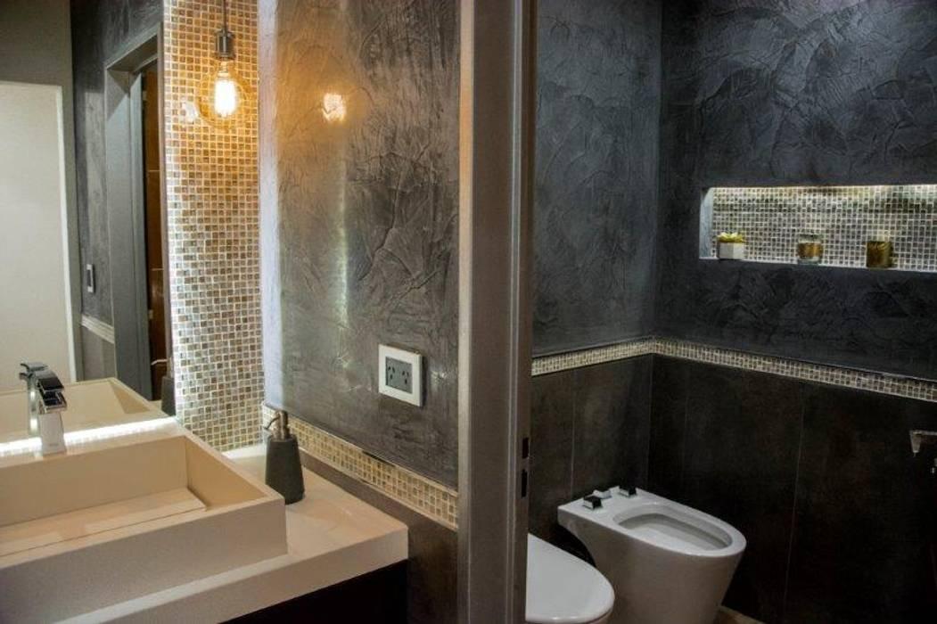 Casa La Reserva Cardales: Baños de estilo  por ARQCONS Arquitectura & Construcción,