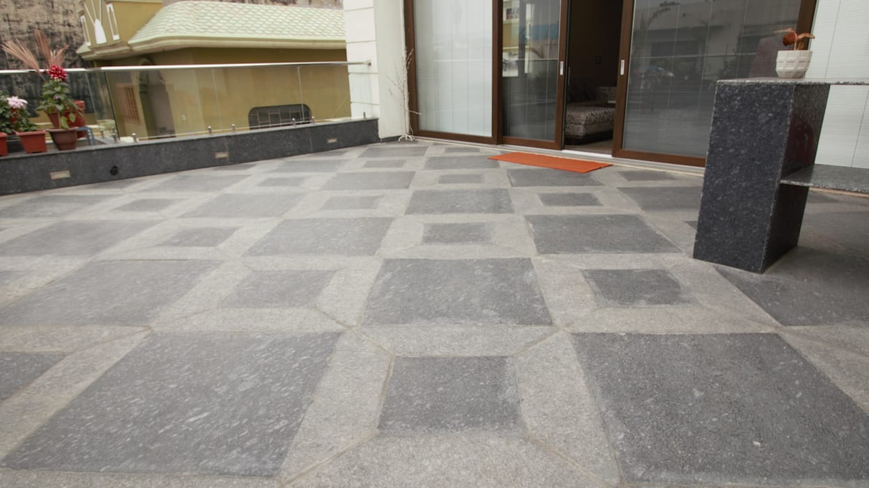 Residential Project:  Floors by Kalatmak Space,