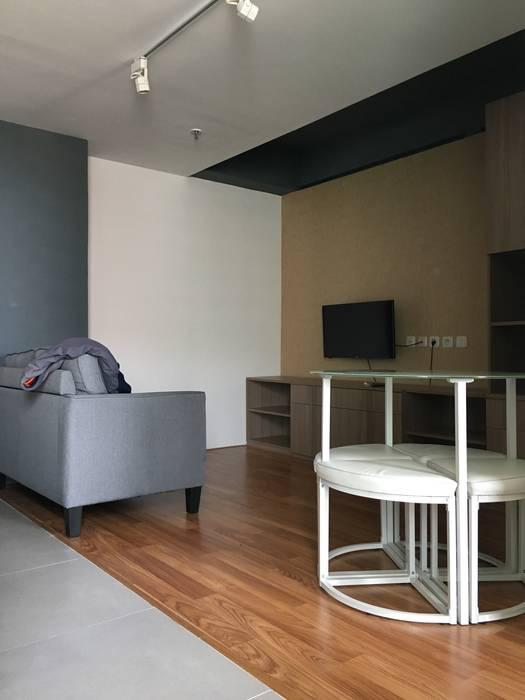 Ruang Keluarga Ruang Keluarga Minimalis Oleh indra firmansyah architects Minimalis