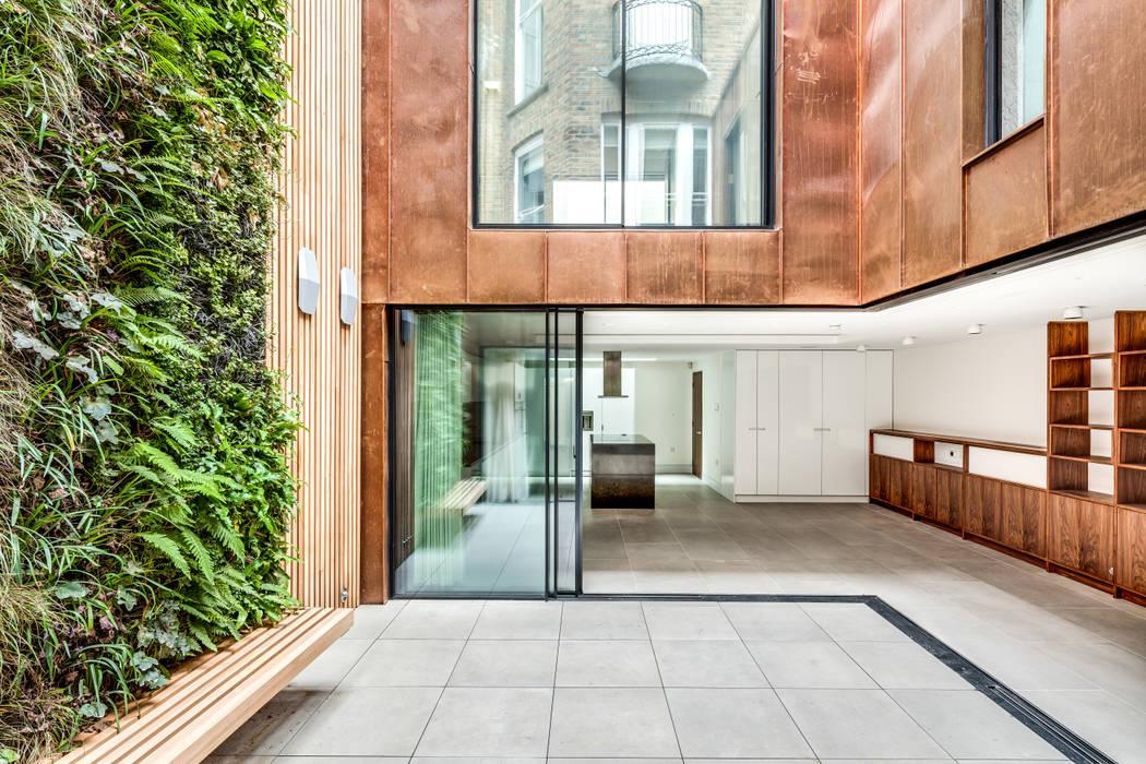 Welbeck Street โดย IQ Glass UK โมเดิร์น กระจกและแก้ว