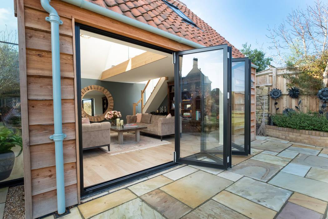 Puertas de vidrio de estilo  por IQ Glass UK, Moderno Vidrio