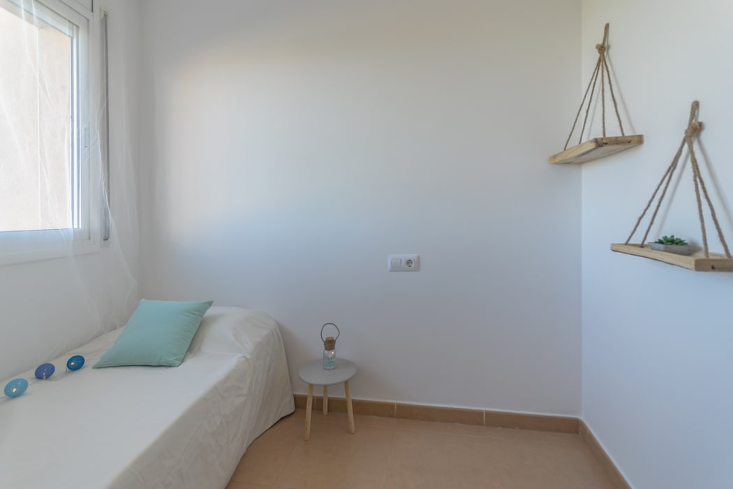 Home Staging Tarragona - Deco Interiorが手掛けた子供部屋,